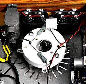 Thivan Labs Swan 211SE Detail 6_auto_x2_toned_light_ai.jpg