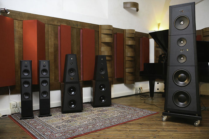Rosso Fiorentino Loudspeakers in La Sala