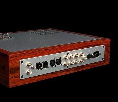Thivan-Labs-X10-Anniversary-Preamplifier-rear-670x670_auto_x2_toned_light_ai.jpg