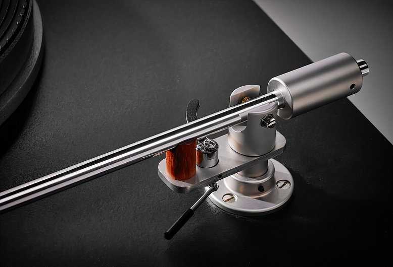 Schick Tonearm Right Flip.jpg
