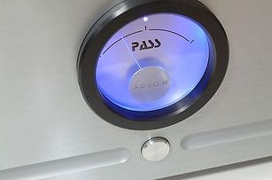 pass labs-x250-knopf.jpg