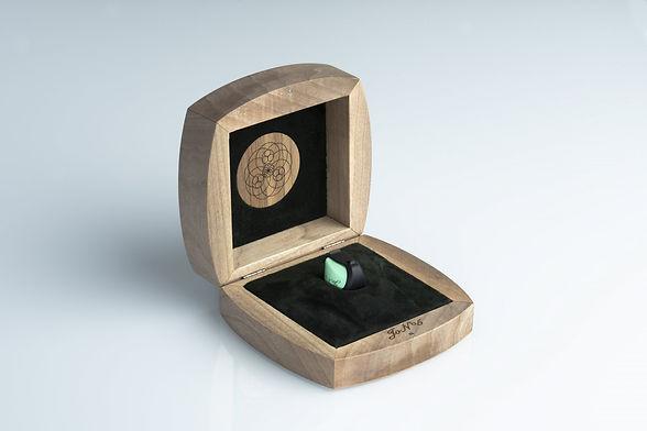 eat-jo-n-5-cartridge-wooden-box-02.jpg