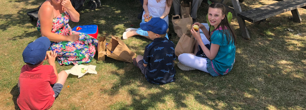 famuily picnic.JPG