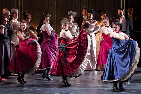 WNO-La-traviata-2014-credit-Roger-Donova
