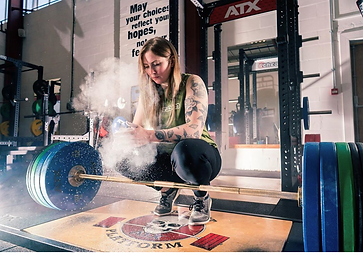 Elizabeth Anderson ready for deadlifts a