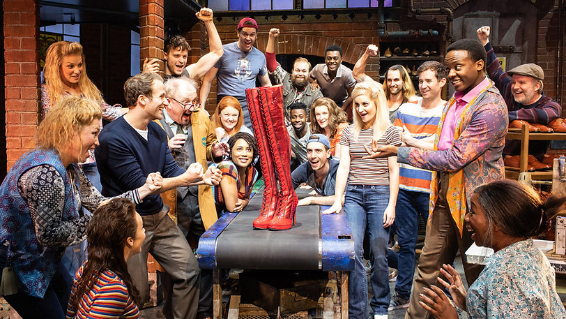 Kinky-Boots-cast_Photo-Helen-Maybanks-16