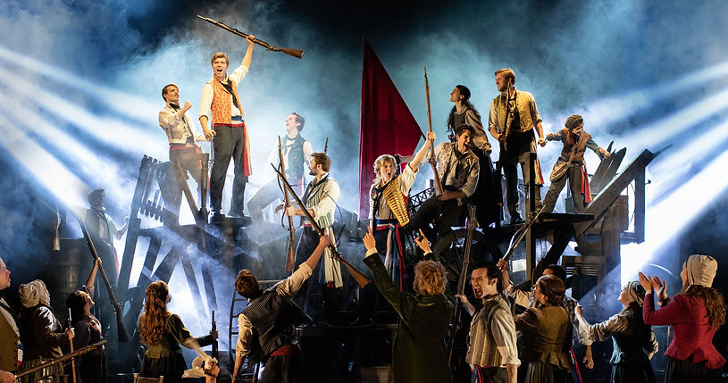 LES MISERABLES TOUR. The Barricade. Hele