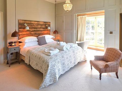 toogood-bedroom.jpg
