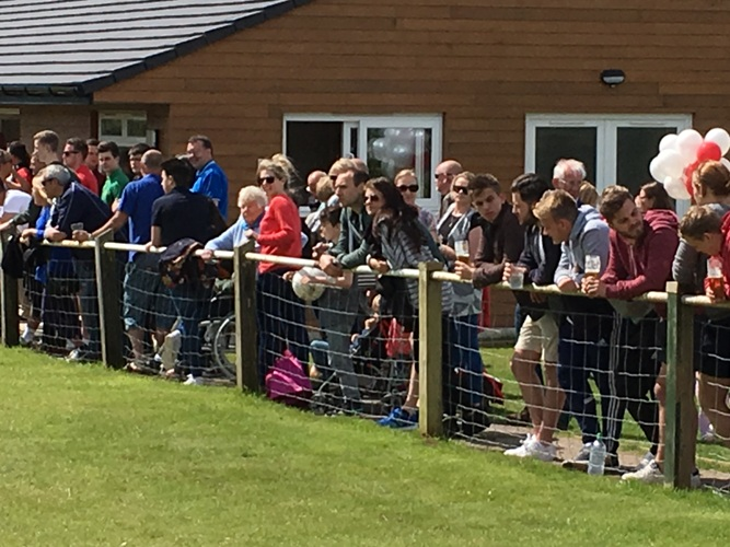 crowd 3Nailsea United Football Club