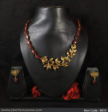 chocolate-brown-necklace2.jpg