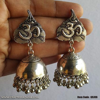 Lavanya, bhodi leaf Om jhumka