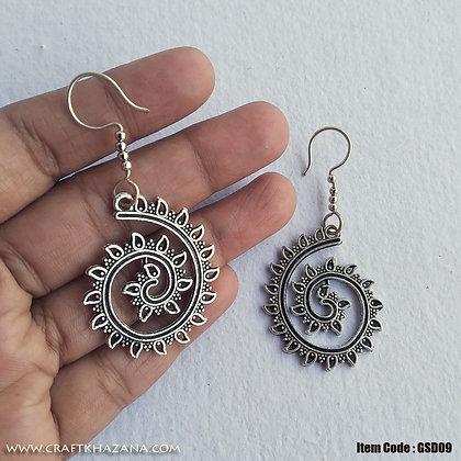 Sophie, swirl shape dangler earring
