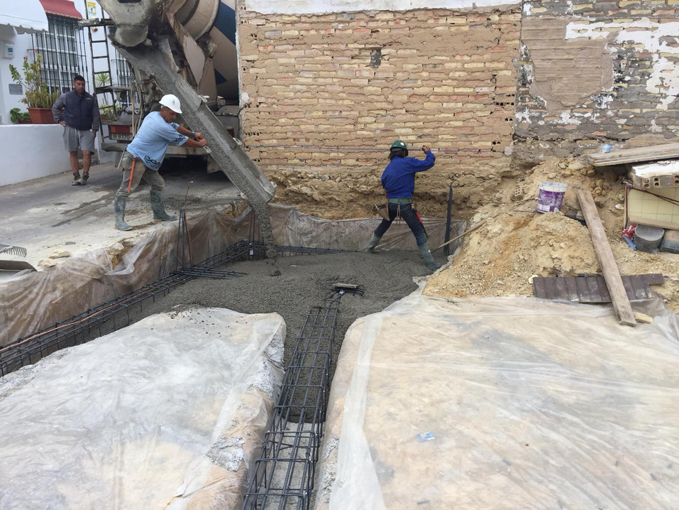 Foundation pouring