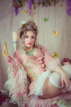 Antoinette Inspired