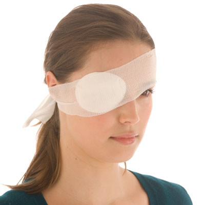 How to deal with eye injuries - fleximed first aid training