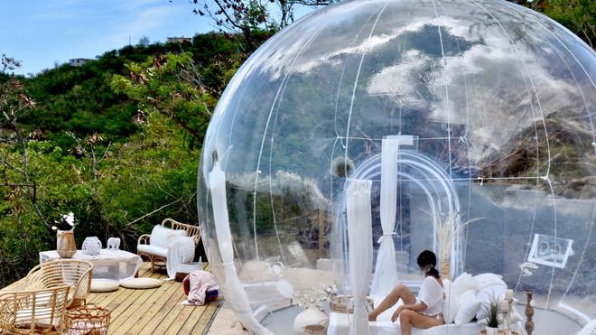 Single Room Bubble Huts.jpg