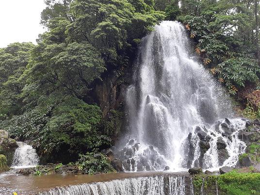 Водопад Ribeira dos Caldeirões