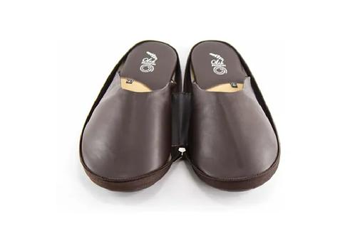 Traveler Slippers Brown