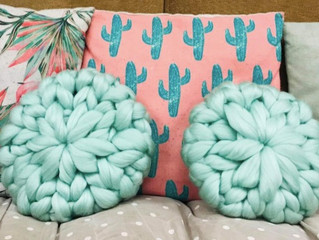 Make a Knitted Cushion