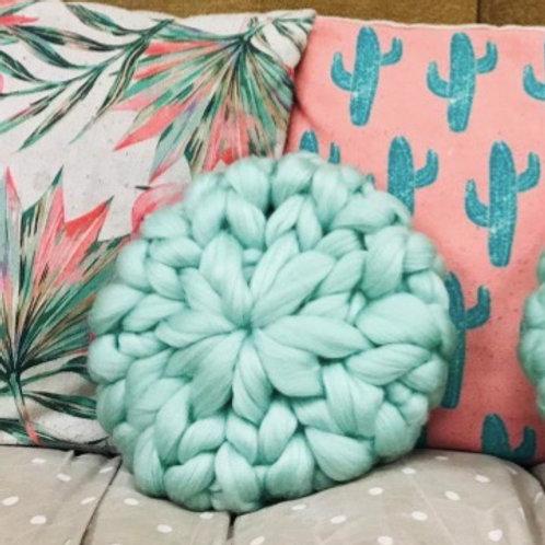 Knit a Cushion with GIANT yarn