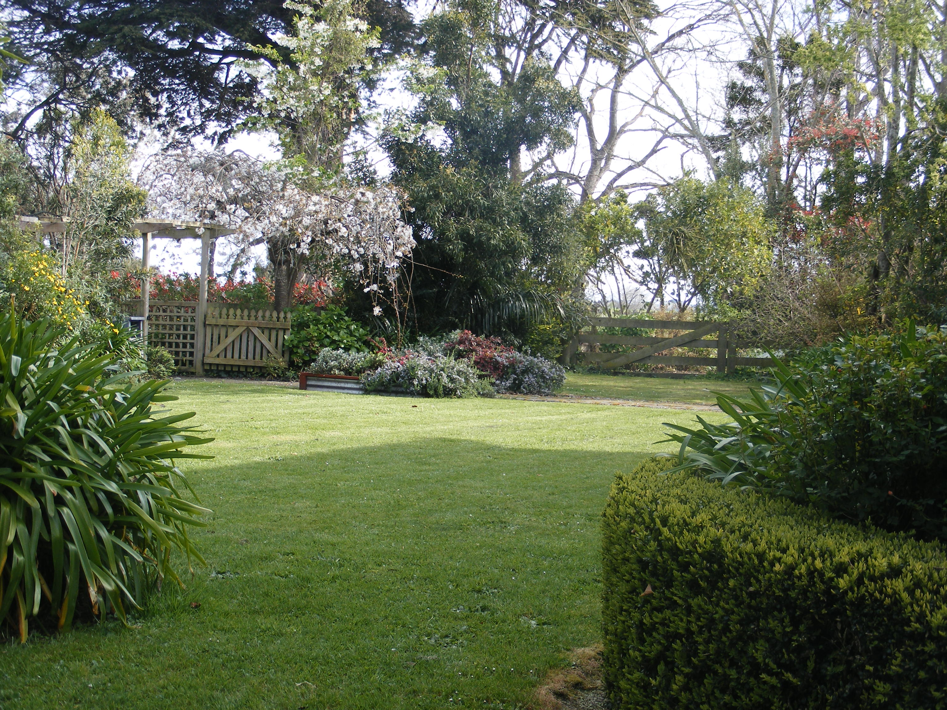 Lawn to carpark gate