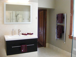 Orchard room ensuite 01