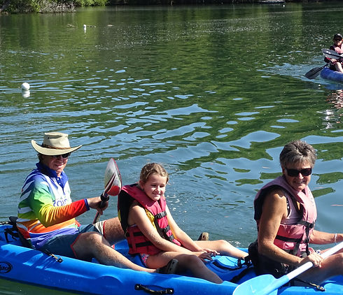 Family-fun-kayaking-Byron-Bay-Brunswick-