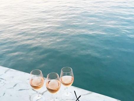 Vacaciones en el mar, 5 vinos perfectos para brindar