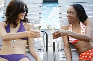 Optimisez la pousse de vos cheveux sur la plage : Les jus de l'été !