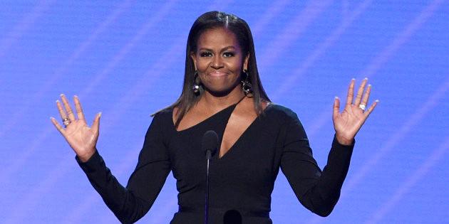 Michelle obama cheveux défrisés