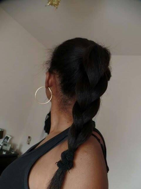 Gina et ses magnifiques cheveux défrisés