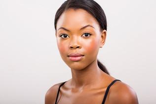 Maquillage et tâches : Combattre l'apparition des tâches sur le visage