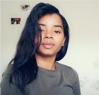 @Relaxed_chica  : j'ai démarré ma routine capillaire en 2019
