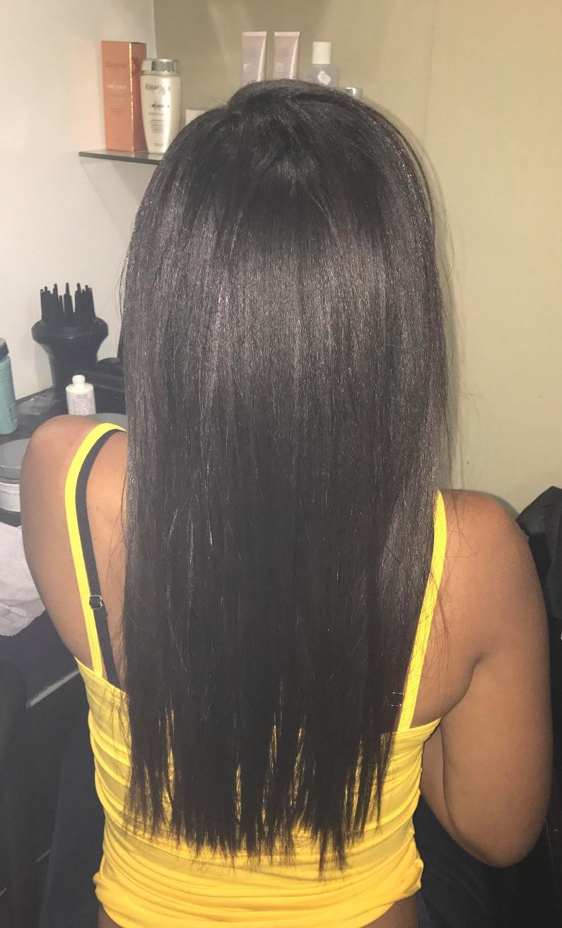 soin des cheveux défrisés chez le coiffeur