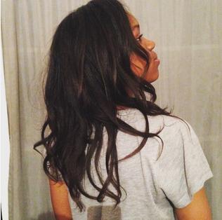 """""""En 3 ans, j'ai réussi à avoir de beaux et longs cheveux défrisés !"""" Interview de Koum"""