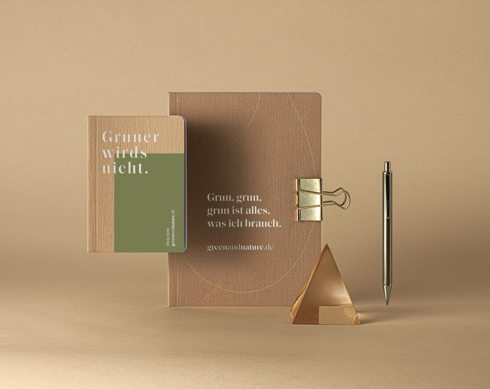 Kraft-Wood-Notebooks- Elegant-Set-Mockup
