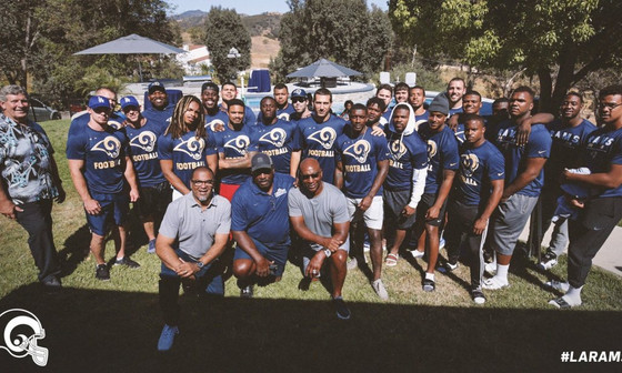 Eric Dickerson hosted Rams rookies for a BBQ at his house
