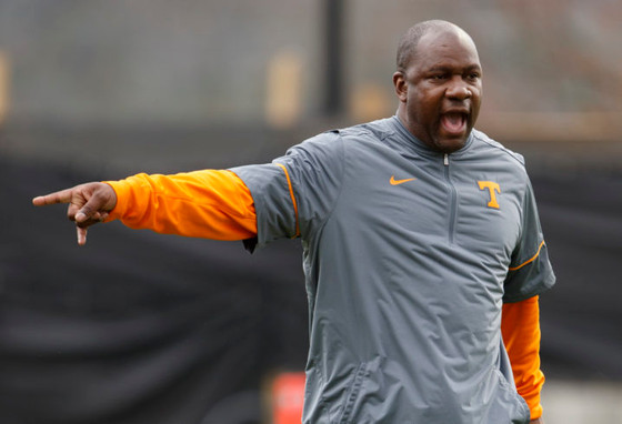 Tennessee WR coach David Johnson gives the team a valuable lesson on commitment
