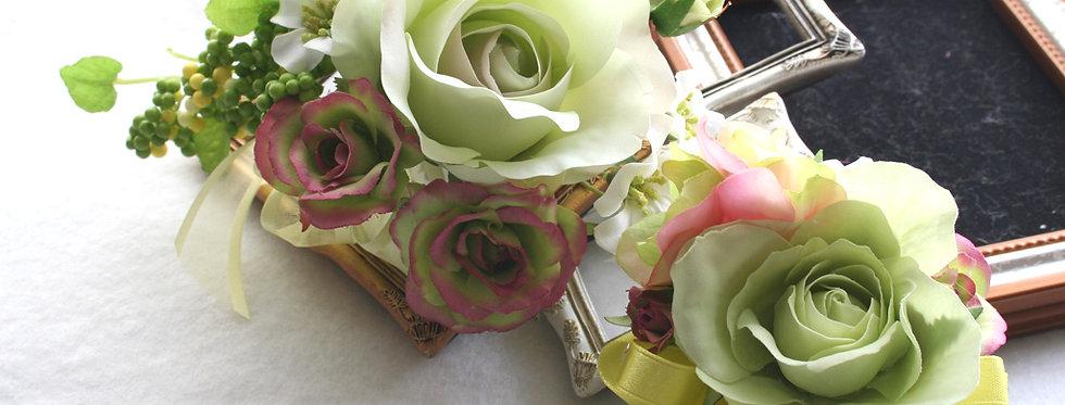 CS009:ライトグリーンのバラのコサージュセット