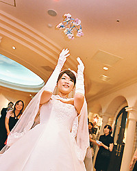 コサージュとマナー(結婚式編)