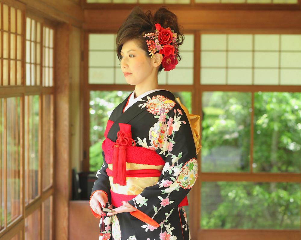 和装用髪飾りに洋花のバラはOK