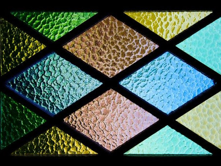LOOKING FOR A GORGEOUS MOTIF FOR YOUR WEDDING DECOR? STAINED GLASS IS A GREAT IDEA!