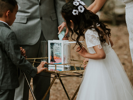 LOOKING FOR A LOVELY FLOWER GIRL HAIRSTYLE IDEA?