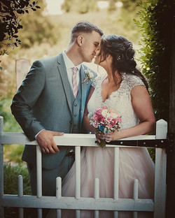 Just Married ❤️🥂#kissing #overthegarden