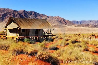 safari-tent-in-the-namib-desert-(namibia