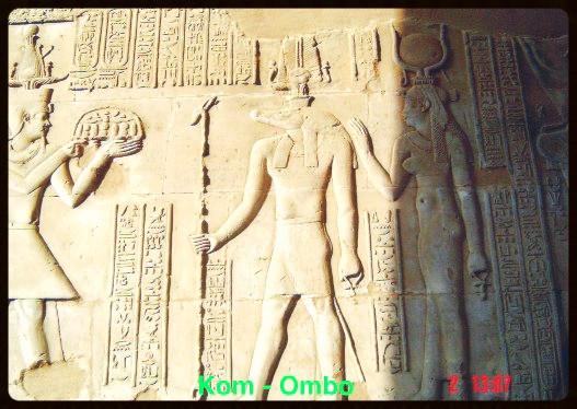 Faraó , Deus Sobek e Ísis