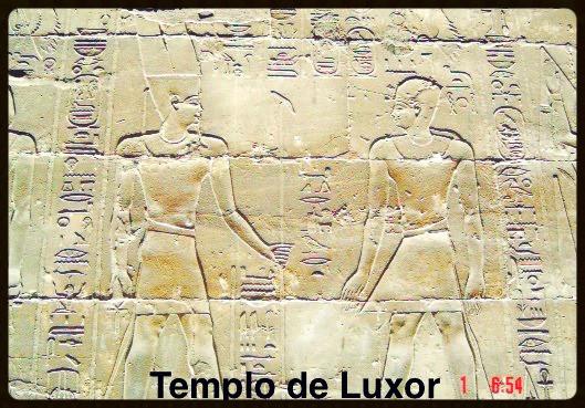 Detalhes do Faraó com coroa alta e baixa - Egito