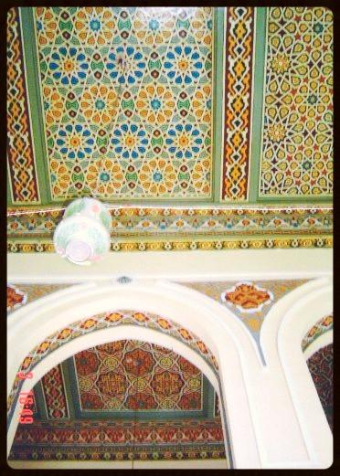 Detalhe das paredes e teto interno na Mesquita de Alabastro- Egito