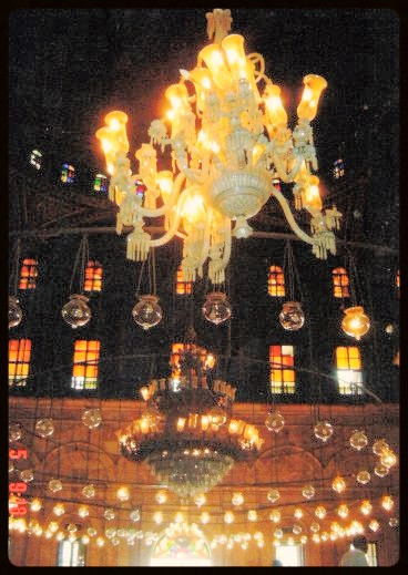Lustres e vitrais da Mesquita de Alabastro - Egito