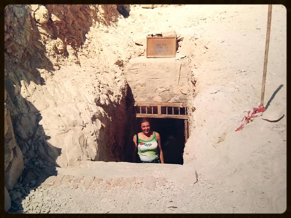Entrada deuma Tumba subterrânea - Egito - Vale dos Nobres